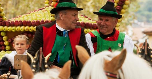 Festa dell 39 uva in alto adige cose da sapere for Cavalli bolzano
